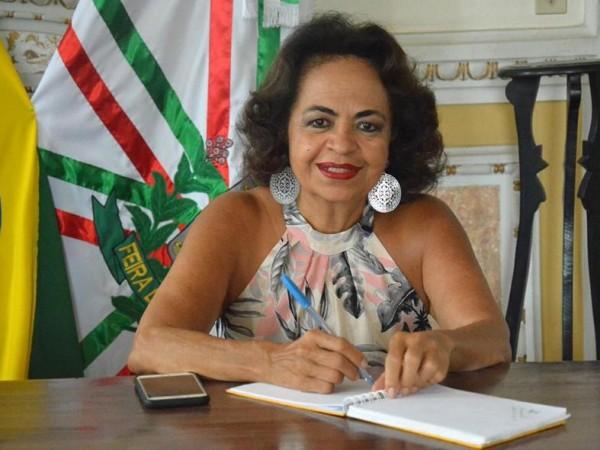 Secretária Anaci Paim esclarece exonerações na Educação