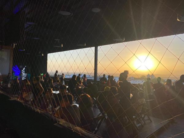 Bar Sky Box desiste de evento com cantor Thiago Aquino; multa de R$ 5 mil foi paga