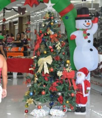 Comércio de Feira em horário especial até as 20h; lojas não abrem no Natal (dia 25)