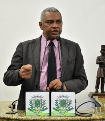 """Desconfiado de fraude, Isaías de Diogo diz que """"nada justifica"""" ter só 400 votos no Feira X"""
